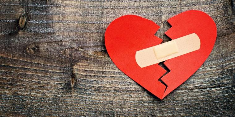 635848573565830810-1507894444_o-BROKEN-HEART-facebook0