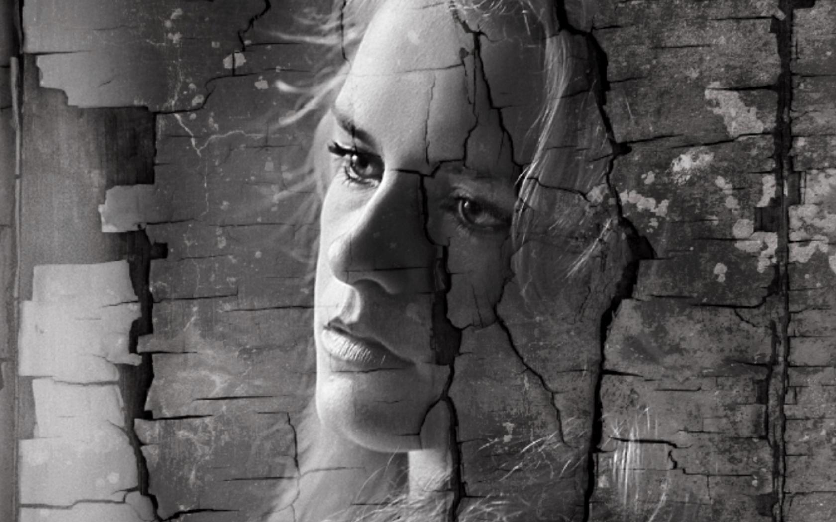 broken-woman